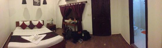 Angkor Spirit Palace: Zimmer