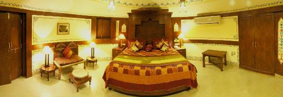 Chokhi Dhani Resort: The Royal Suite is royal spacious room speaks the classic elegance of the past, traditional luxu