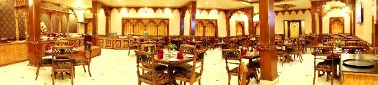 Chokhi Dhani Resort: Aarogosa restaurant multi-cuisine