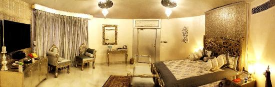 Chokhi Dhani Resort : The luxury suites for the business traveler, honeymooners and Presidential Suite with Pvt. Pool