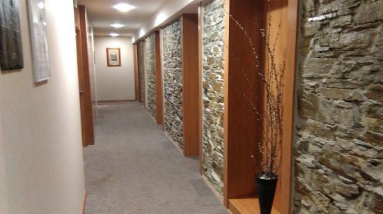 Alti Hotel: couloir 2ème étge