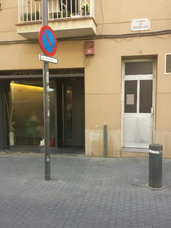 View of restaurant from the narrow street picture of - Restaurant umo barcelona ...