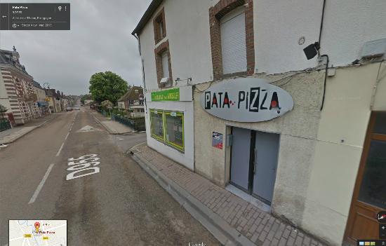 Aillant-sur-Tholon, Francia: face a la poste de Aillant