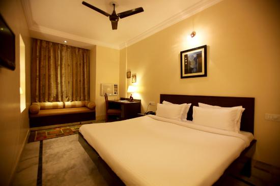Sandhu Palace Hotel : Super Deluxe Room