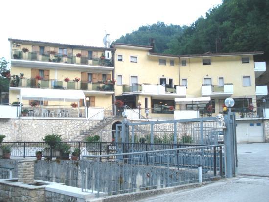 Albergo Ristorante Camartina : Vista dell'Hotel
