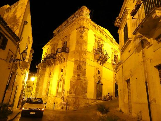 Scicli, إيطاليا: Palazzo Beneventano