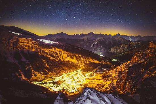 Berghotel Wildstrubel : Abendstimmung vom Gemmipass