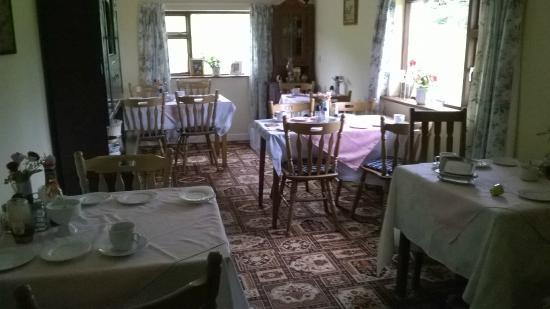 White Heather Farmhouse: Breakfast room