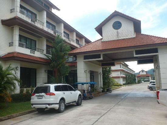 Nipa Garden Hotel