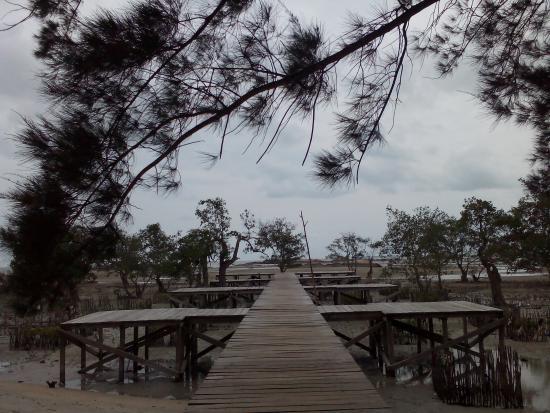 Bangka Island, Indonesia: di tepi dermaga tapak hantu