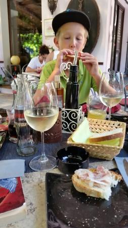 La Casa del Vino: Heerlijk hier! Lekkere wijnen, brushette en affetati misti! 😊