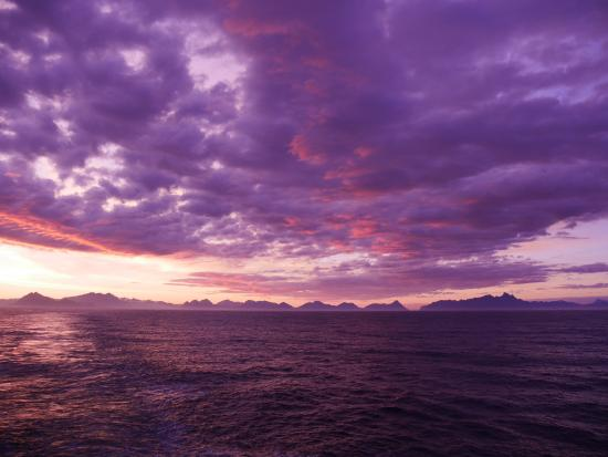 Hurtigrutens Hus: Goodbye to the Midnight Sun