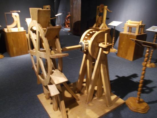 Carro armato picture of leonardo da vinci museum for Invenzioni di leonardo da vinci