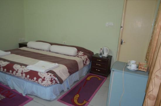 Gino's Hotel : 室内