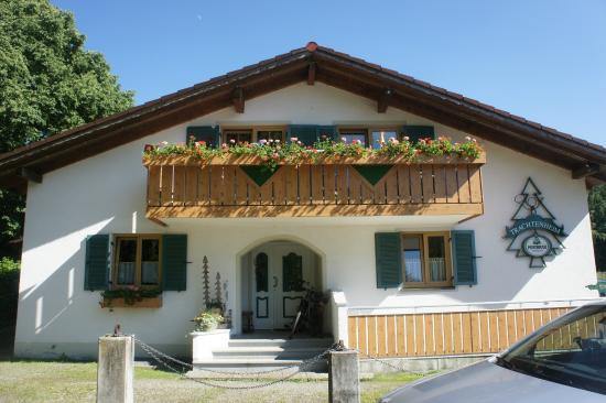 Trachtenheim