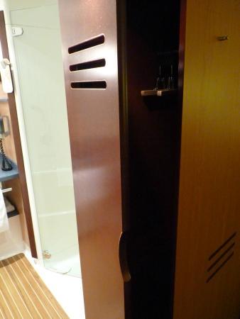 Kleiderschrank - Picture of Novotel Suites Hamburg City hotel ...
