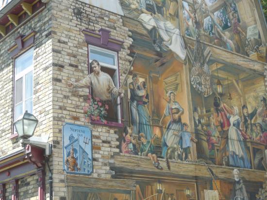 Mural picture of quartier petit champlain quebec city for Mural quebec city