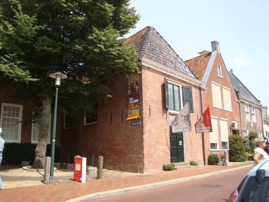 Dokkum, Belanda: Exterieur Museum Admiraliteitshuis