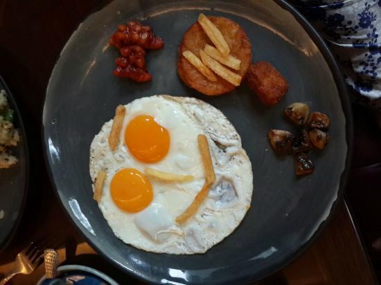 Hotel Diplomat: Breakfast at Amreli