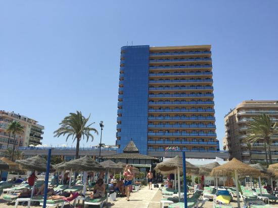 Hotel Yaramar: Hotel from Los Boliches beach