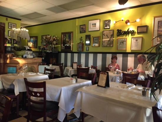 French Corner Bistro & Rotiserie: French Corner Bistro