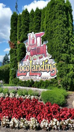 LocoLanding: Signage