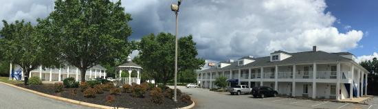 Photo of Baymont Inn & Suites Anderson/Clemson