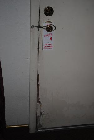 1st Inn Gold: door--security?????