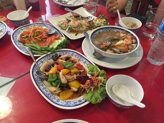 Rayaan Beach Paradise Guest House Restaurant With Halal Thai Food Seafood Arabic
