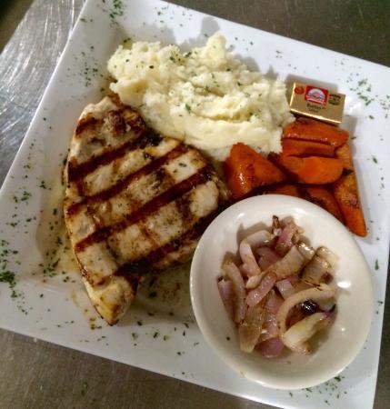 White Lake Tavern: Grilled swordfish!