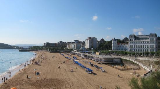 Playa El Sardinero: fotografía de Playa Primera de El Sardinero, Santander - ...