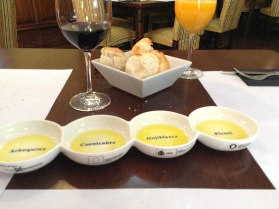 La Perdiz : Gentileza na degustação de azeites