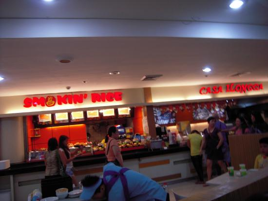 busy food court
