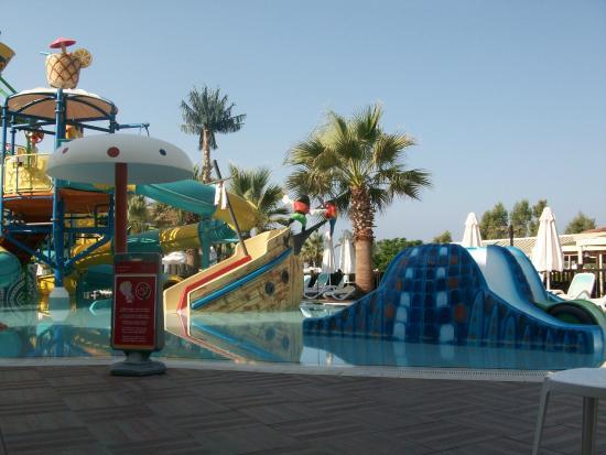 Piscine enfants picture of paloma grida resort spa for Piscine 07500