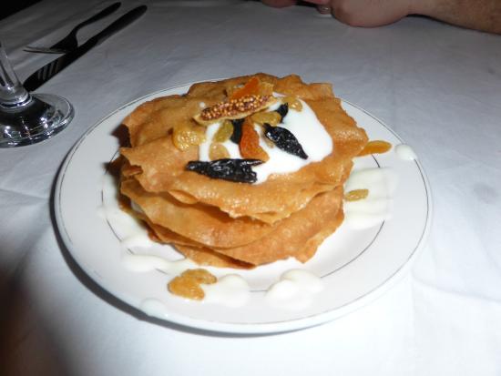 Riad Chayma : Delicious pastilla dessert!