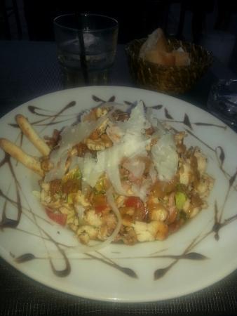 Le Latino : Une salade rafraîchissante et délicieuse!