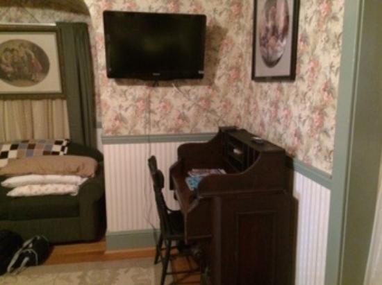 A Sentimental Journey Bed and Breakfast: In first floor suite