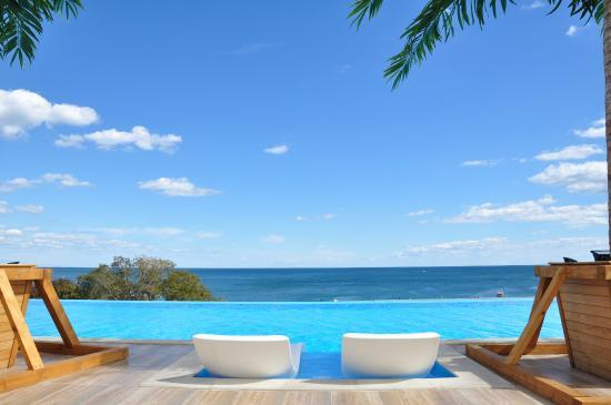 Hotel International Skyfall Zone Relax In Style