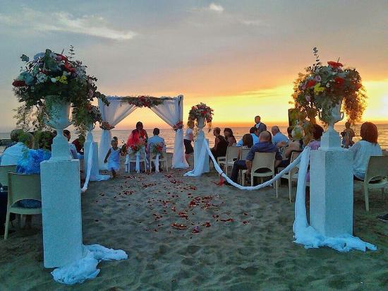 Matrimonio Spiaggia Anzio : Matrimonio sulla spiaggia stupendooo picture of saint