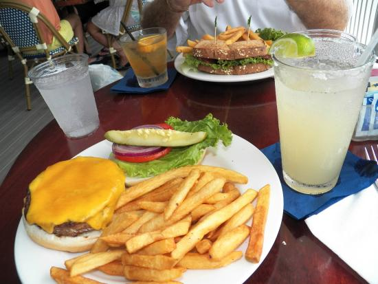 Miller's Dockside: Burger
