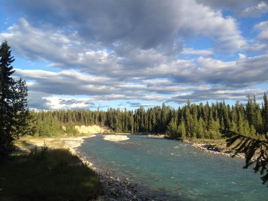 Golden, Canada: Walk the trail toward BlueWater creek.