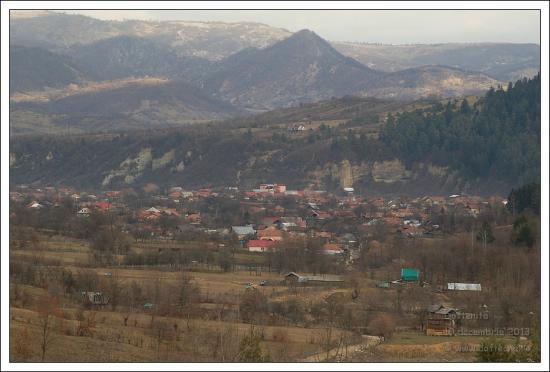Dofteana, Rumunija: The village