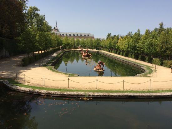 Lugar precioso con unos jardines espectaculares el for Jardines espectaculares