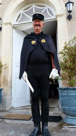 Chateau Charly: Friendly Police in the area