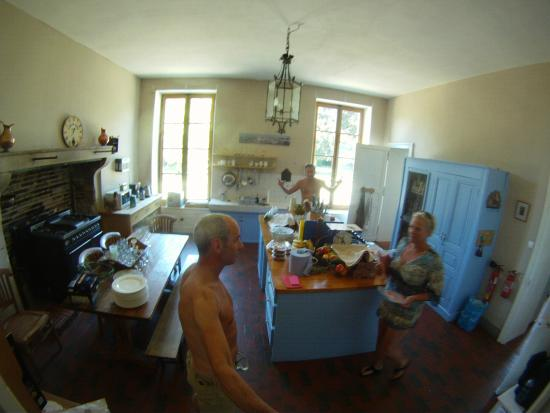 Chateau Charly: Big well equipped kitchen