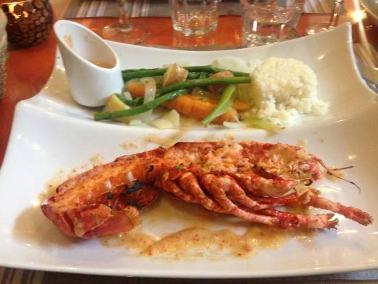 Homard flamb au whisky picture of coquille d 39 oeuf - Chaise coquille d oeuf ...