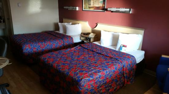 Red Roof Inn Mystic - New London : Nice & Affordable!