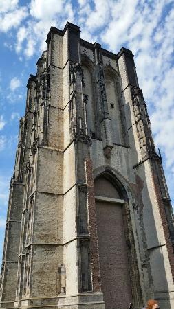 Sint-Lievensmonstertoren