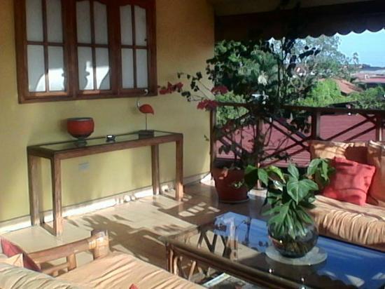 Hostal Dona Maria: Front Veranda/porch