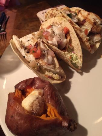 Outback Steakhouse: Steak and fish tacos